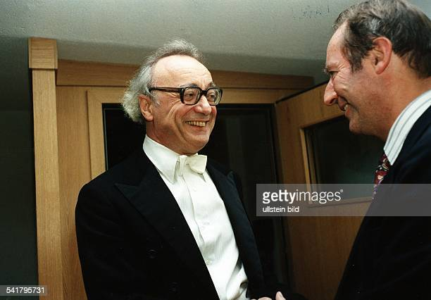Brendel Alfred *Pianist Oesterreich mit NN September 1995Foto Erika Rabau