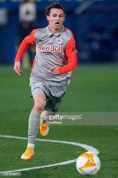 Brenden Aaronson of RB Salzburg runs with the ball during the UEFA Europa League Round of 32 match between Villarreal CF and RB Salzburg at Estadio...