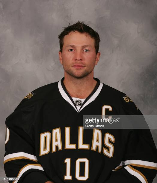Brenden Morrow of the Dallas Stars poses for his official headshot for the 20092010 NHL season