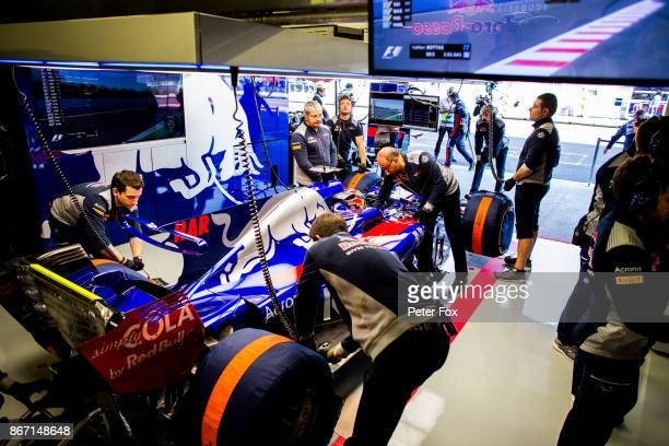 Brendon Hartley of Scuderia Toro Rosso and New Zealand during practice for the Formula One Grand Prix of Mexico at Autodromo Hermanos Rodriguez on...