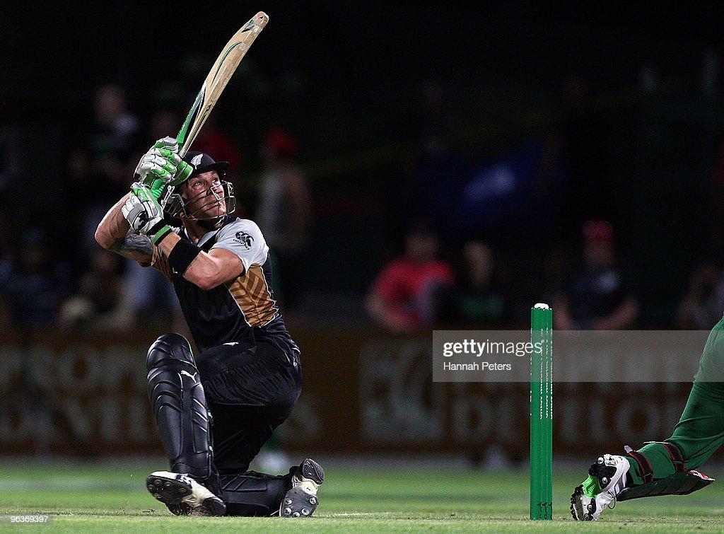 New Zealand v Bangladesh - Twenty20 International : News Photo