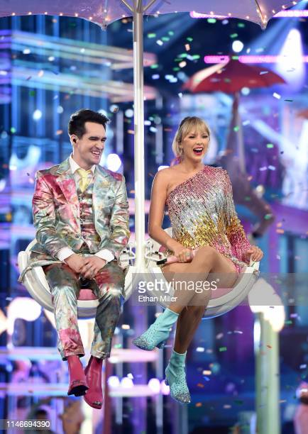 Brendon Urie of Panic at the Disco and Taylor Swift perform during the 2019 Billboard Music Awards at MGM Grand Garden Arena on May 1 2019 in Las...