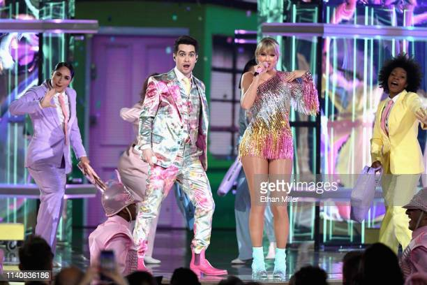 Brendon Urie of Panic at the Disco and Taylor Swift perform onstage during the 2019 Billboard Music Awards at MGM Grand Garden Arena on May 1 2019 in...