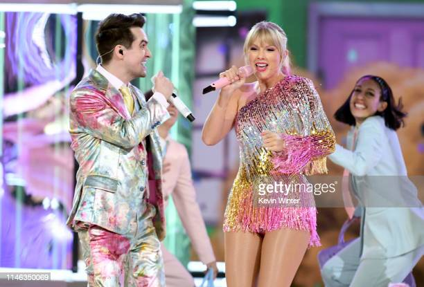 Brendon Urie of Panic at the Disco and Taylor Swift perform onstage during the 2019 Billboard Music Awards at MGM Grand Garden Arena on May 01 2019...