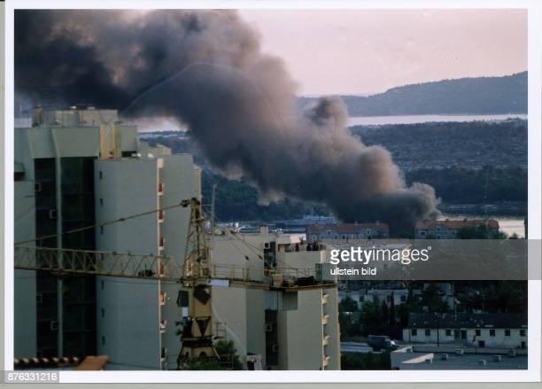 brennender Öltank in Sibenik August 1991