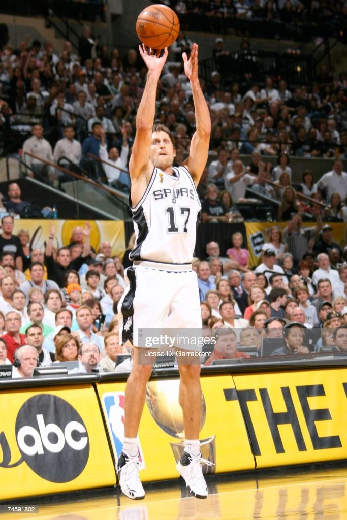 Brent Barry #17 of the San Antonio Spurs shoots a jump shot against the Cleveland Cavaliers in Game Two of the NBA Finals at the AT&T Center on June 10, 2007 in San Antonio, Texas.