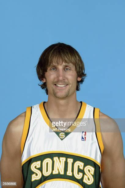 Brent Barry of the Seattle Sonics poses during the NBA Media Day at the Furtado Center on September 29 2003 in Seattle Washington NOTE TO USER User...