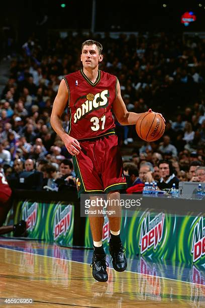 Brent Barry of the Seattle Supersonics dribbles against the Sacramento Kings circa 2001 at Arco Arena in Sacramento California NOTE TO USER User...