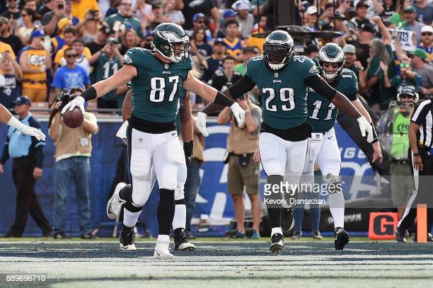 Brent Celek and LeGarrette Blount of the Philadelphia Eagles celebrate after scoring a touchdown during the first quarter of the game against the Los...