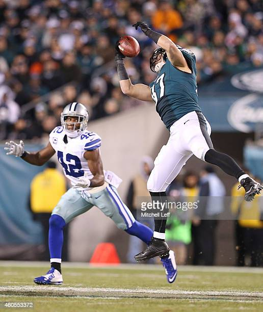 Brent Celek of the Philadelphia Eagles catches a pass with Barry Church of the Dallas Cowboys defending on the play at Lincoln Financial Field on...