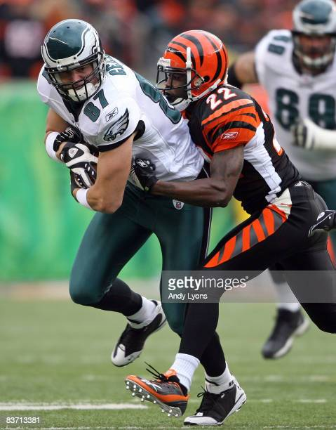 Brent Celek of the Philadelphia Eagles runs with the ball while tackled by Johnathan Joseph of the Cincinnati Bengals during the NFL game at Paul...