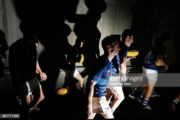 Brent Harvey of the Kangaroos walks out to warm up before the AFL 1st Elimination Final match between the Adelaide Crows and the North Melbourne...