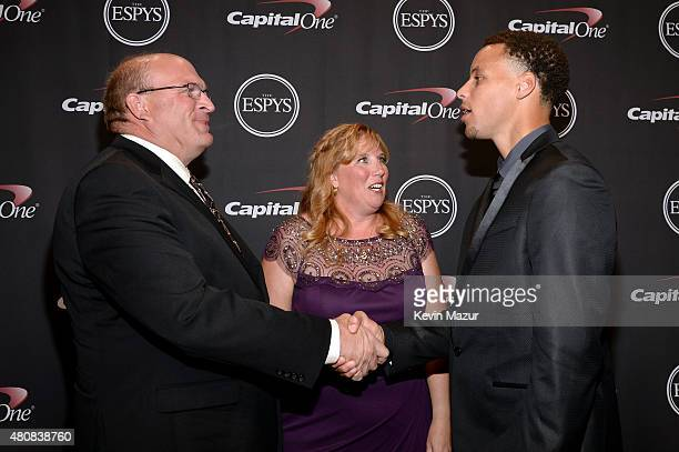 Brent Hill with Lisa Hill and NBA player Stephen Curry with the award for Best Moment at The 2015 ESPYS at Microsoft Theater on July 15 2015 in Los...