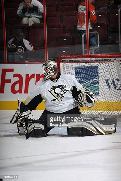 Brent Johnson of the Pittsburgh Penguins warms up before the game against the Philadelphia Flyers at the Wachovia Center on October 8 2009 in...