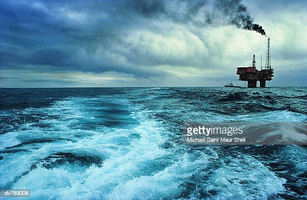 brent oil field, production platforms, north sea, uk - north sea stock pictures, royalty-free photos & images