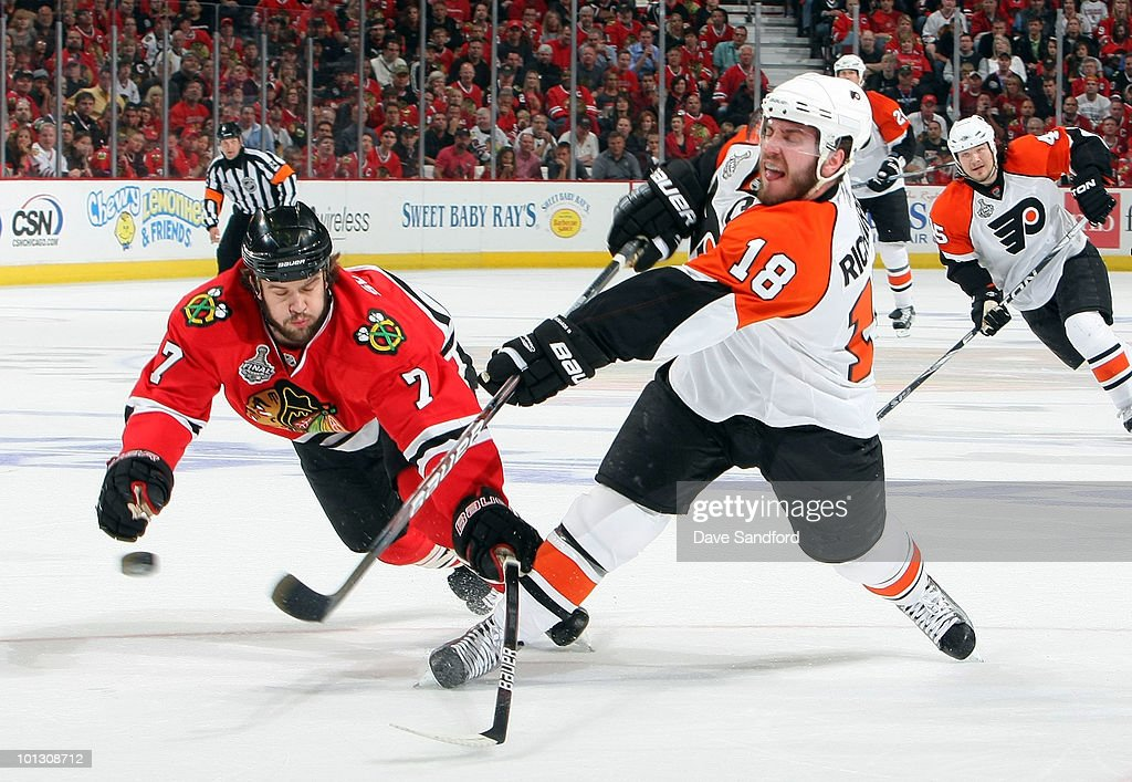 Brent Seabrook #7 of the Chicago Blackhawks attempts to block a shot by Mike Richards #18 of the Philadelphia Flyers during the first period of Game Two of the 2010 NHL Stanley Cup Finals at the United Center on May 31, 2010 in Chicago, Illinois.