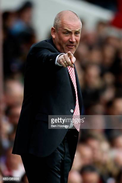 Brentford manager Mark Warburton issues instructions during the Sky Bet League One match between Brentford and Preston North End at Griffin Park on...