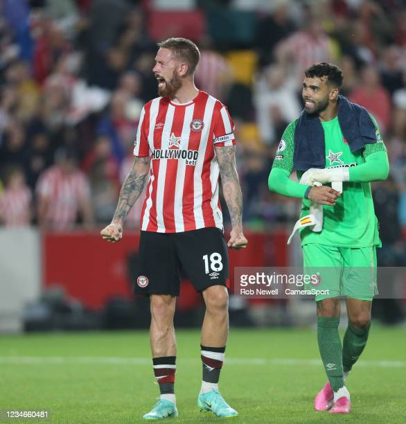 Brentford's Pontus Jansson celebrates at the end of the match during the Premier League match between Brentford and Arsenal at Brentford Community...
