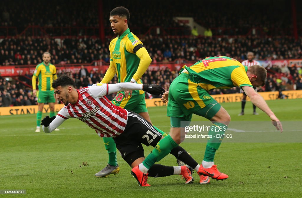 Brentford v West Bromwich Albion - Sky Bet Championship - Griffin Park : News Photo