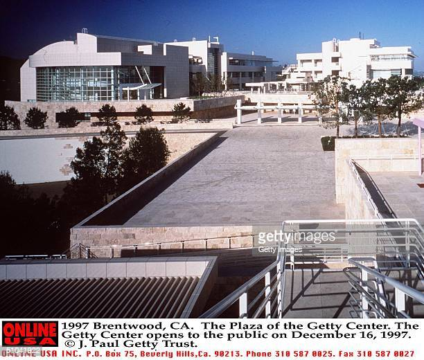 Brentwood Ca The Plaza Of The Getty Center The Getty Center Opens To The Public On December 16 1997