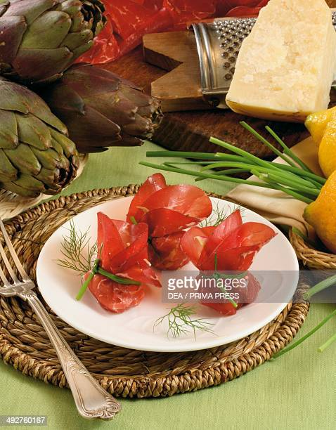 Bresaola and artichoke bundles