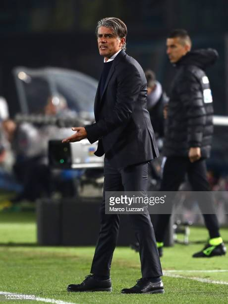 Brescia Calcio coach Diego Lopez issues instructions to his players during the Serie A match between Brescia Calcio and SSC Napoli at Stadio Mario...