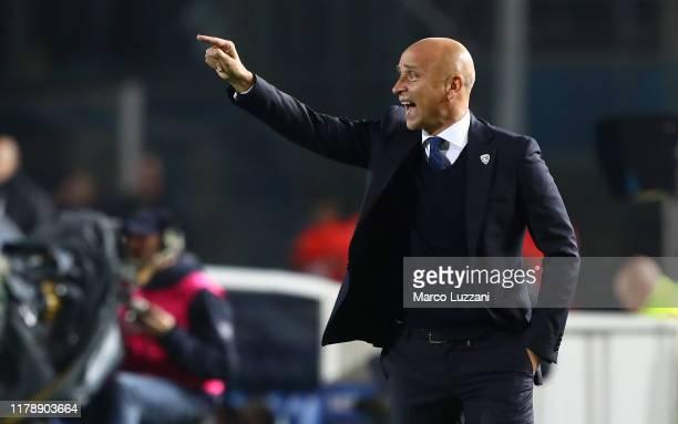 Brescia Calcio coach Eugenio Corini shouts to his players during the Serie A match between Brescia Calcio and FC Internazionale at Stadio Mario...