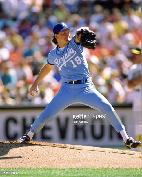 Bret Saberhagen of the Kansas City Royals pitches during an MLB game against the Oakland Athletics at the Oakland Coliseum during the 1989 season