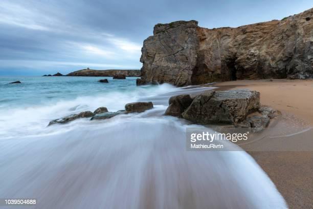 bretagne : quiberon et sa côte sauvage - golfe du morbihan photos et images de collection