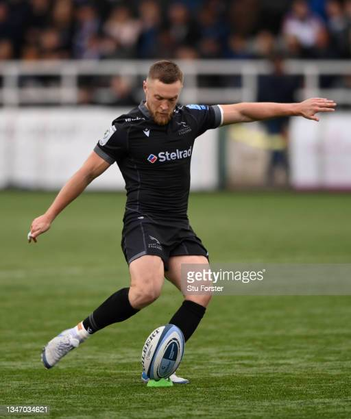 Brett Connon of Newcastle kicks some points during the Gallagher Premiership Rugby match between Newcastle Falcons and Bristol Bears at Kingston Park...