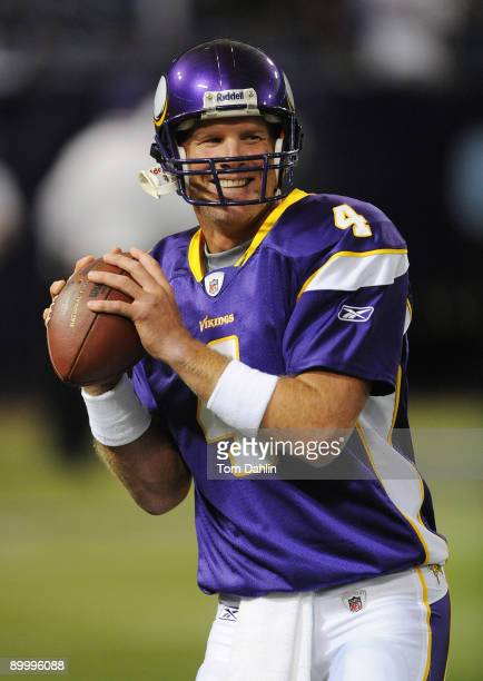 Brett Favre of the Minnesota Vikings passes the ball during warmups prior to an NFL game against the Kansas City Chiefs at the Hubert H Humphrey...