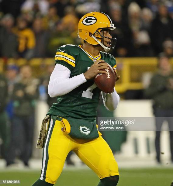Brett Hundley of the Green Bay packers looks for a receiver against the Detroit Lions at Lambeau Field on September 28 2017 in Green Bay Wisconsin