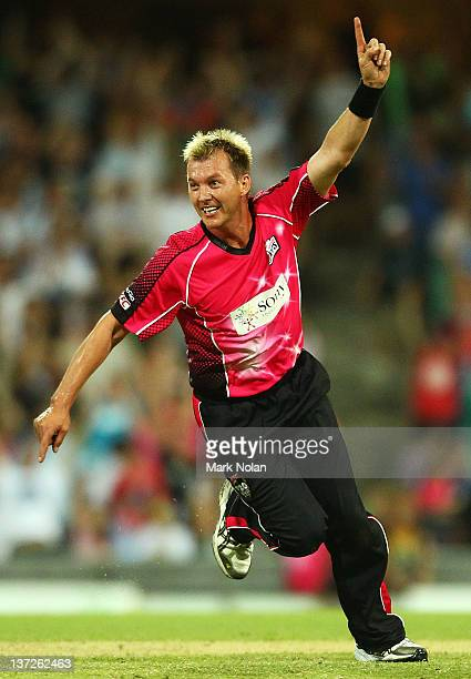 Brett Lee of the Sixers celebrates a run out on the last ball to win the game during the T20 Big Bash League match between the Sydney Sixers and the...