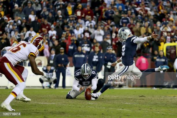 Brett Maher of the Dallas Cowboys misses a field goal as time expires against the Washington Redskins during the second half at FedExField on October...