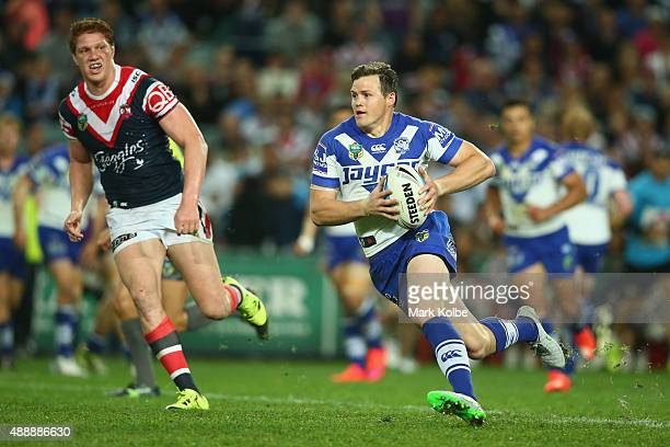 Brett Morris of the Bulldogs runs the ball during the First NRL Semi Final match between the Sydney Roosters and the Canterbury Bulldogs at Allianz...