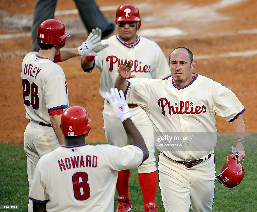 Los Angeles Dodgers v Philadelphia Phillies, Game 2 : News Photo