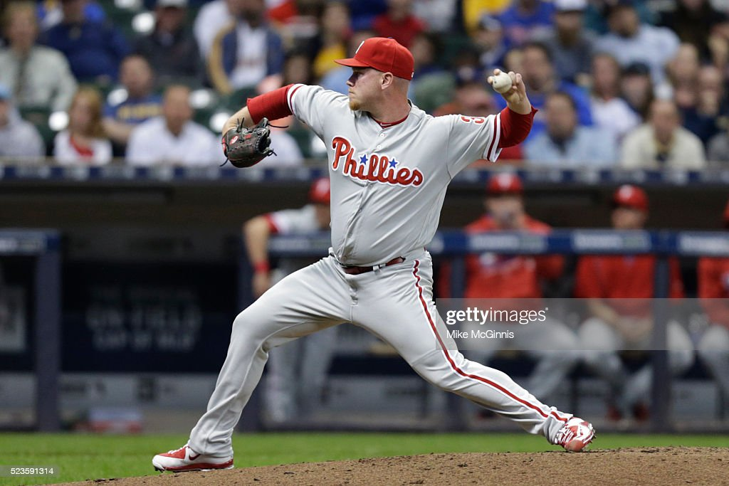Brett Oberholtzer #34 of the Philadelphia Phillies pitches during the third inning against the Milwaukee Brewers at Miller Park on April 23, 2016 in Milwaukee, Wisconsin.