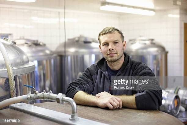 brewer in microbrewery - brewery stock pictures, royalty-free photos & images