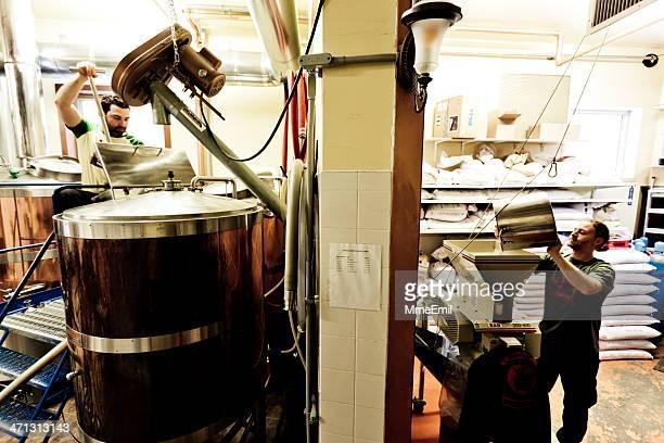 醸造 - シャウィニガン ストックフォトと画像