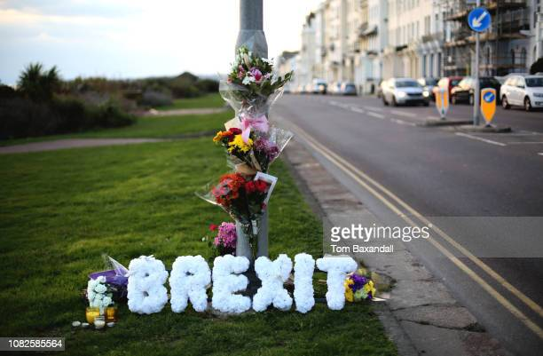 brexit wreath 4 - brexit stock pictures, royalty-free photos & images