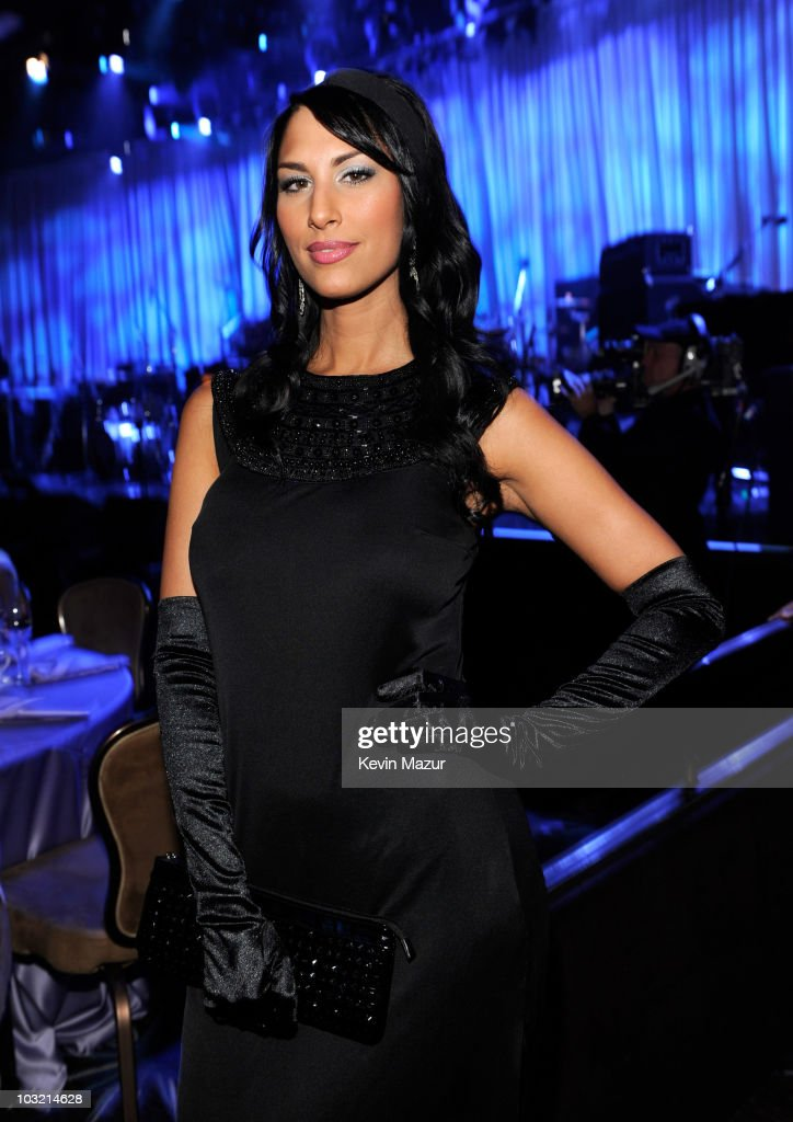 Bria Valente Attends The 2009 Grammy Salute To Industry Icons Honoring Clive Davis At Beverly