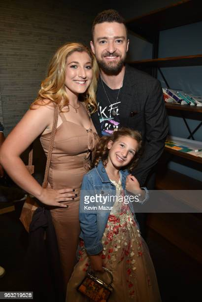 Briahna Joely Fatone Justin Timberlake and Kloey Alexandra Fatone attend the ceremony honoring NSYNC with a star on the Hollywood Walk of Fame on...