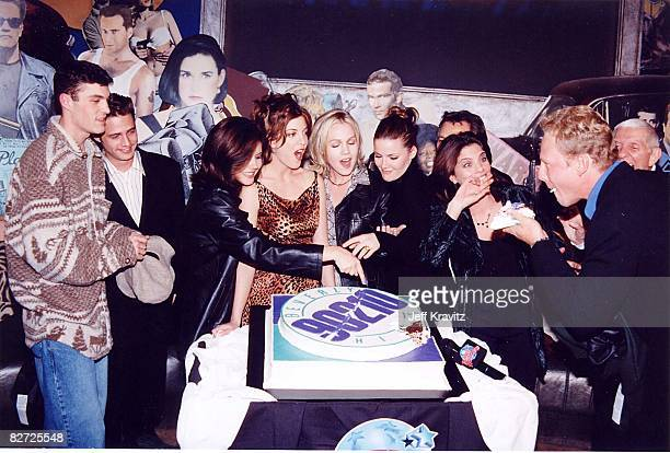 Brian Austin Green, Jason Priestley, Tiffani-Amber Thiessen, Tori Spelling, Jennie Garth, Kathleen Roberts and Ian Ziering