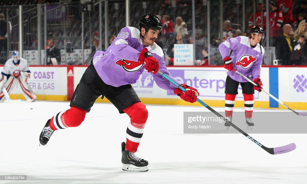 pretty nice 7b2f5 aeea9 Brian Boyle of the New Jersey Devils wearing the Hockey ...