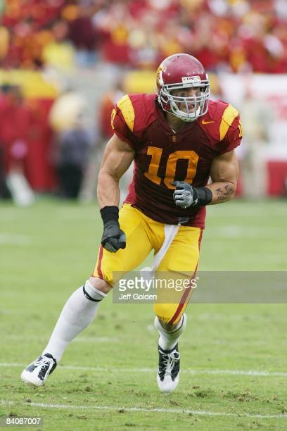 Brian Cushing of the USC Trojans rushes against the Washington Huskies on November 1 2008 at the Los Angeles Memorial Coliseum in Los Angeles...