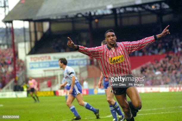 Brian Deane of Sheffield United celebrates scoring the first goal in the game against Manchester United at Bramall Lane.