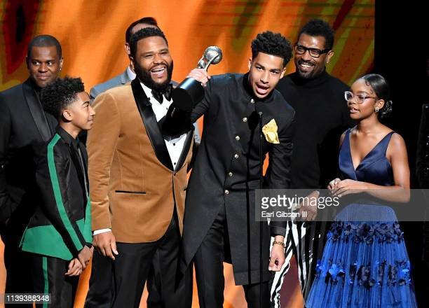 Brian Dobbins Miles Brown Anthony Anderson Marcus Scribner Deon Cole and Marsai Martin accept the Outstanding Comedy Series award for 'Blackish'...