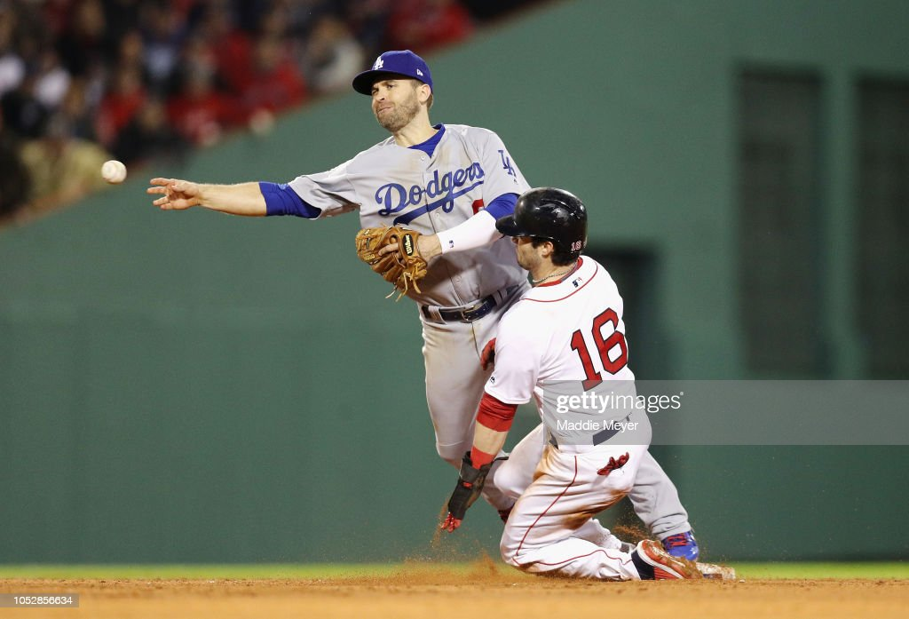 World Series - Los Angeles Dodgers v Boston Red Sox - Game One : News Photo