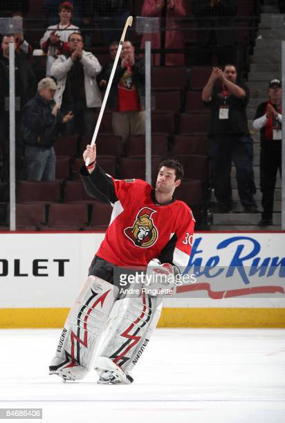 Brian Elliott of the Ottawa Senators salutes the fans as he is named the game's first star against the Buffalo Sabres at Scotiabank Place on February...