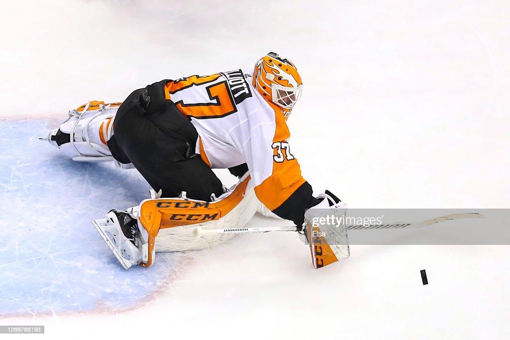 Philadelphia Flyers v New York Islanders - Game Four : News Photo